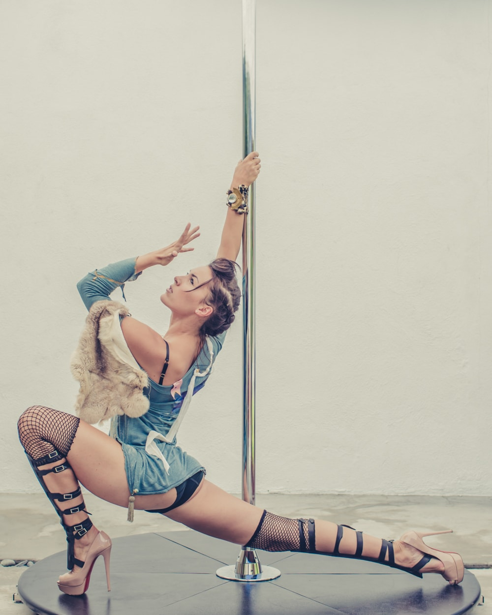pole_dance_and_contemporary_fashion_converge_by_beylerian-10