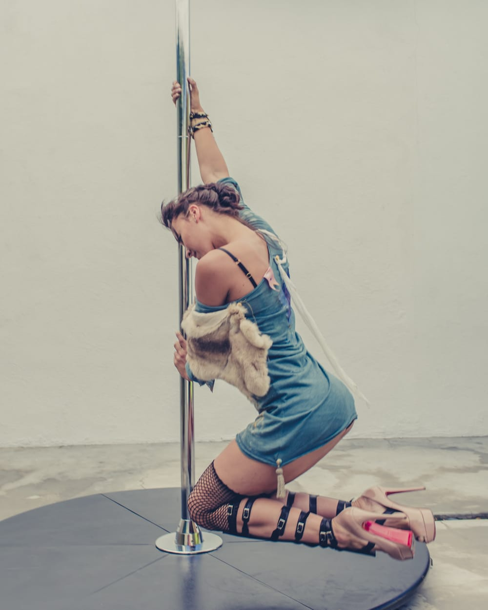 pole_dance_and_contemporary_fashion_converge_by_beylerian-6