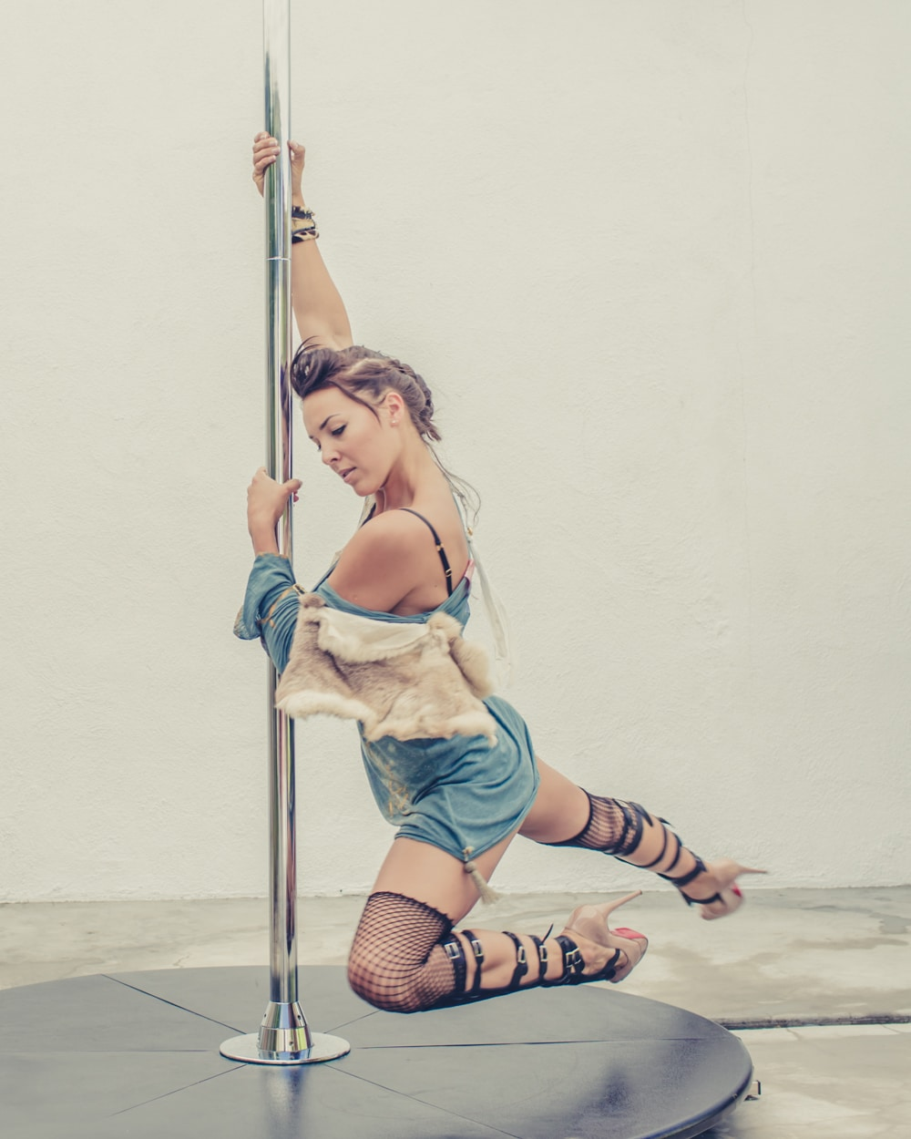 pole_dance_and_contemporary_fashion_converge_by_beylerian-7