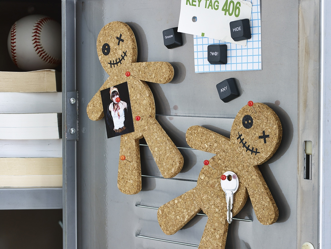 Voodoo_Corkboard_Locker-design-ideas
