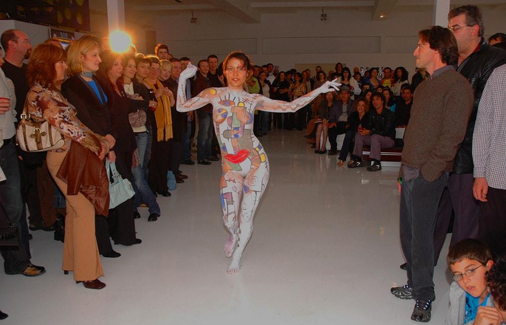 Body_language_exhibit_interior_gregory_beylerian_10