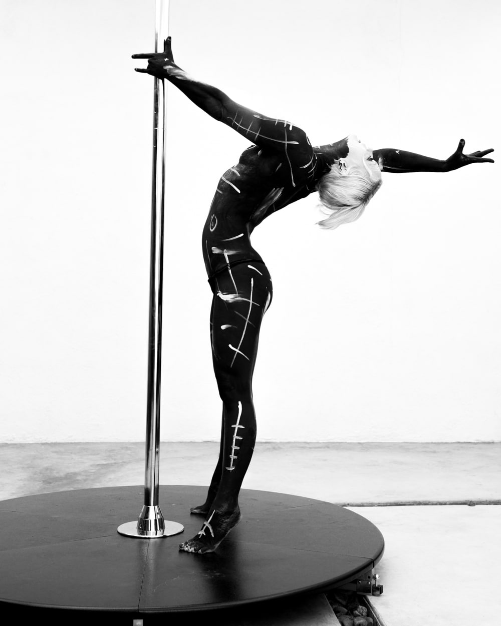 pole_dance_ancient_lines_beylerian_3