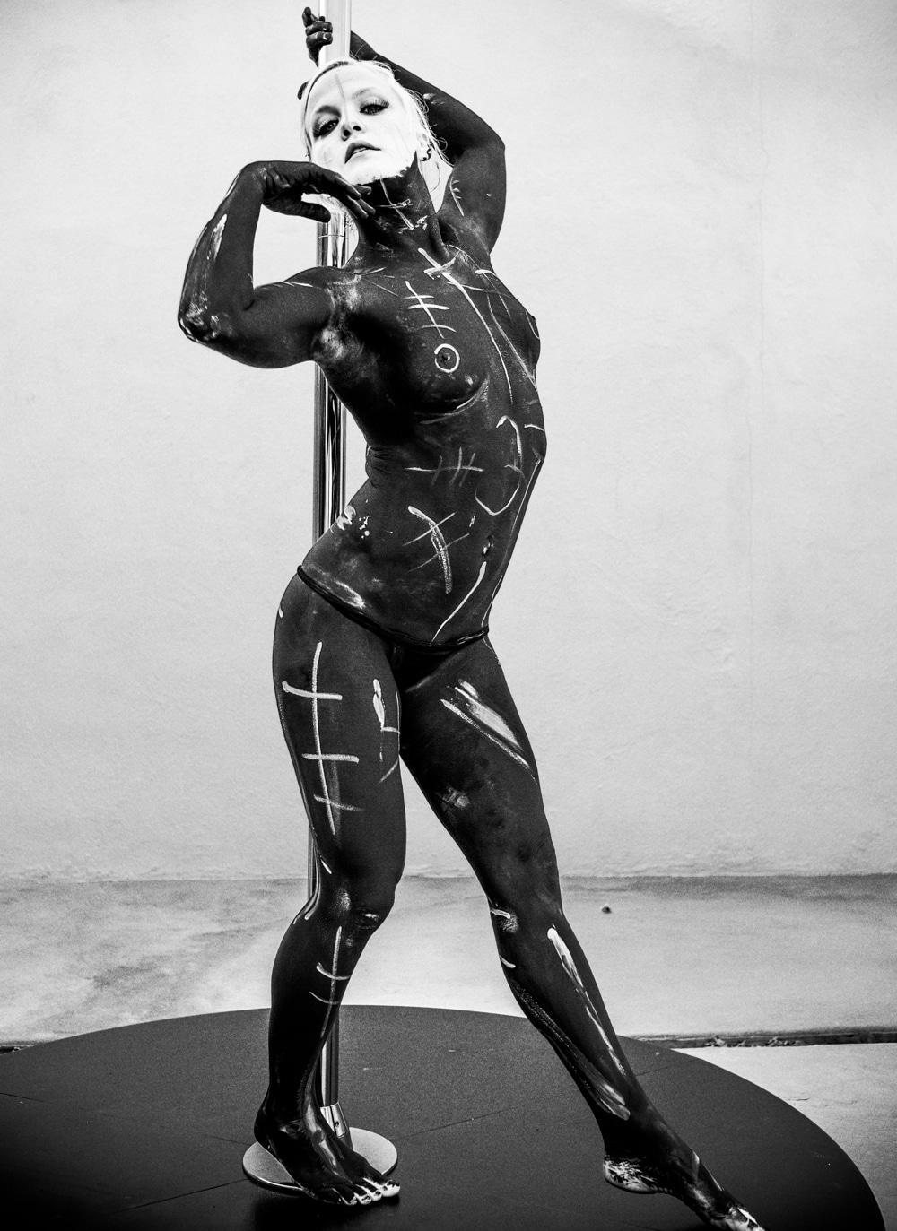 pole_dance_ancient_lines_beylerian_4