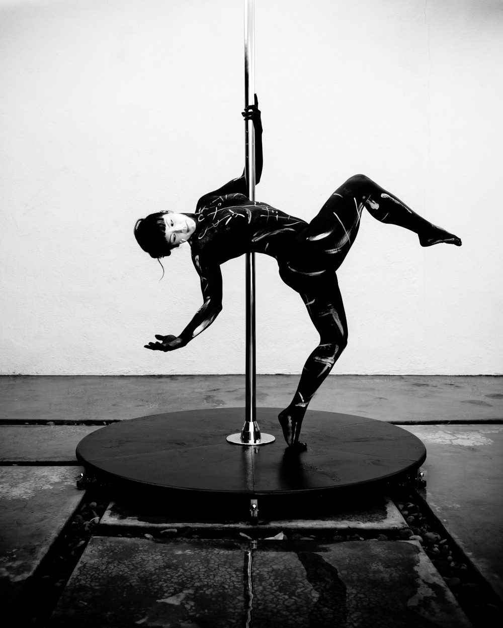 pole_dance_and_art_converge_gregory_beylerian-11